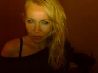 ReifeAnna live strip sex chat Gratis Video