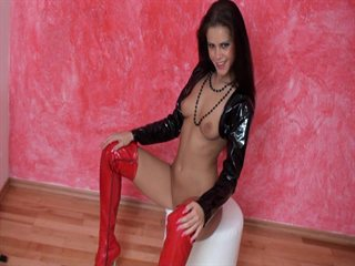 ANAL-Escortschlampe Rote OVERKNEES