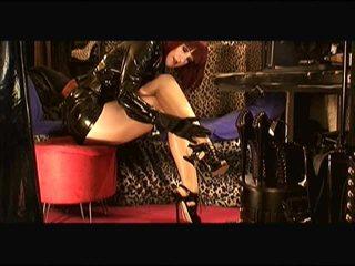 HeelsFetishLadyVivian geile kleine brüste Gratis Video