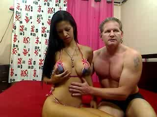 fick cam billig - Video 1 von JeniferBoobs+CarlosBangs