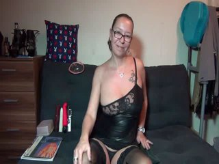 haengetittensex  chat - Video 1 von SexyChris