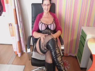 chatten  pics - Video 1 von HotCurvyTina
