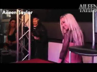 AileenTaylor strip webcam Gratis Video